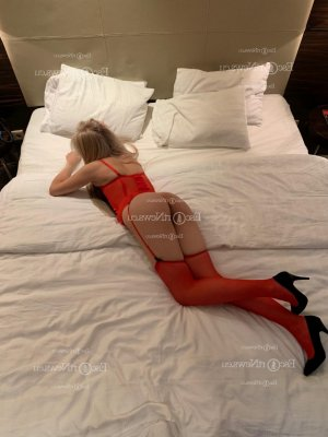 Levanah live escort in Sumter SC and nuru massage