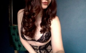 Esme live escort and thai massage