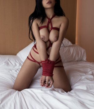 Sarah-line erotic massage and escort